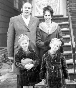 richard-kuklinskii-the-iceman-family-portrait